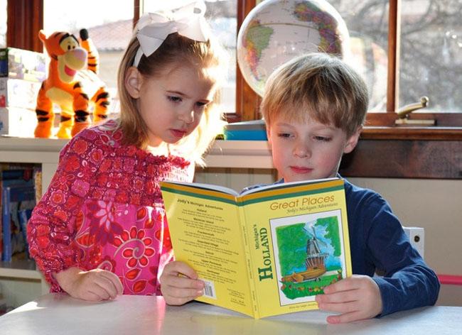 Cómo Enseñar a Leer a Un Niño de 5 Años